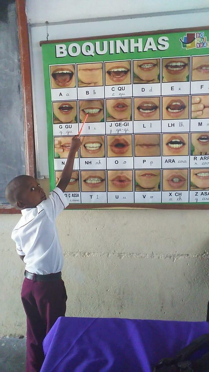 Primeira vez que uma escola Moçambicana usou Boquinhas na sala de aulas… Muito feliz!
